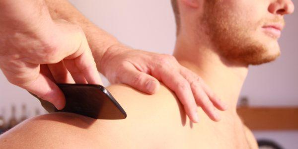 Faszien Massage   Guasha Behandlung